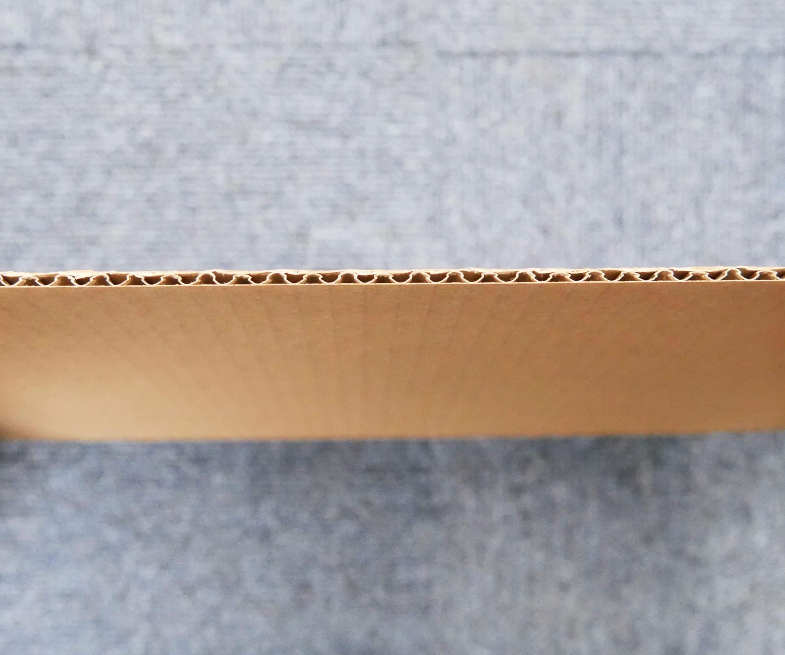 板ダンボール A4ワイドサイズ [ 304×216mm ] 3mm厚